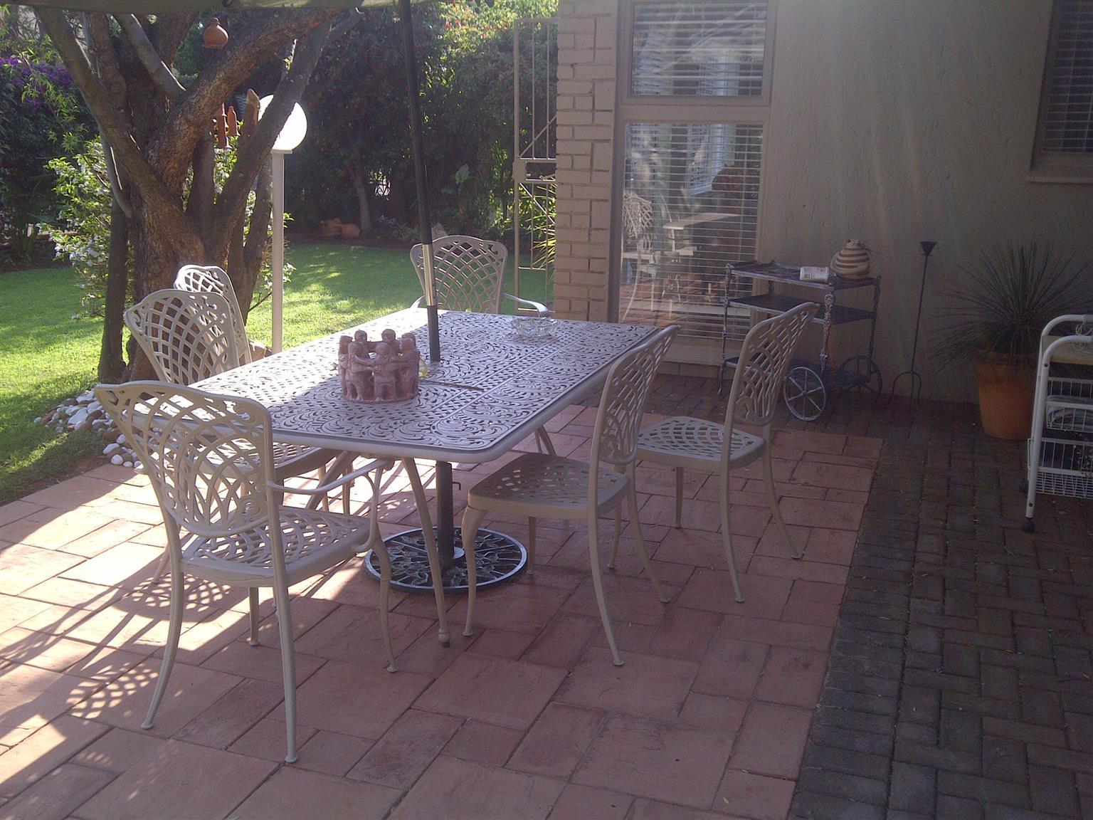 Cast iron garden set for sale