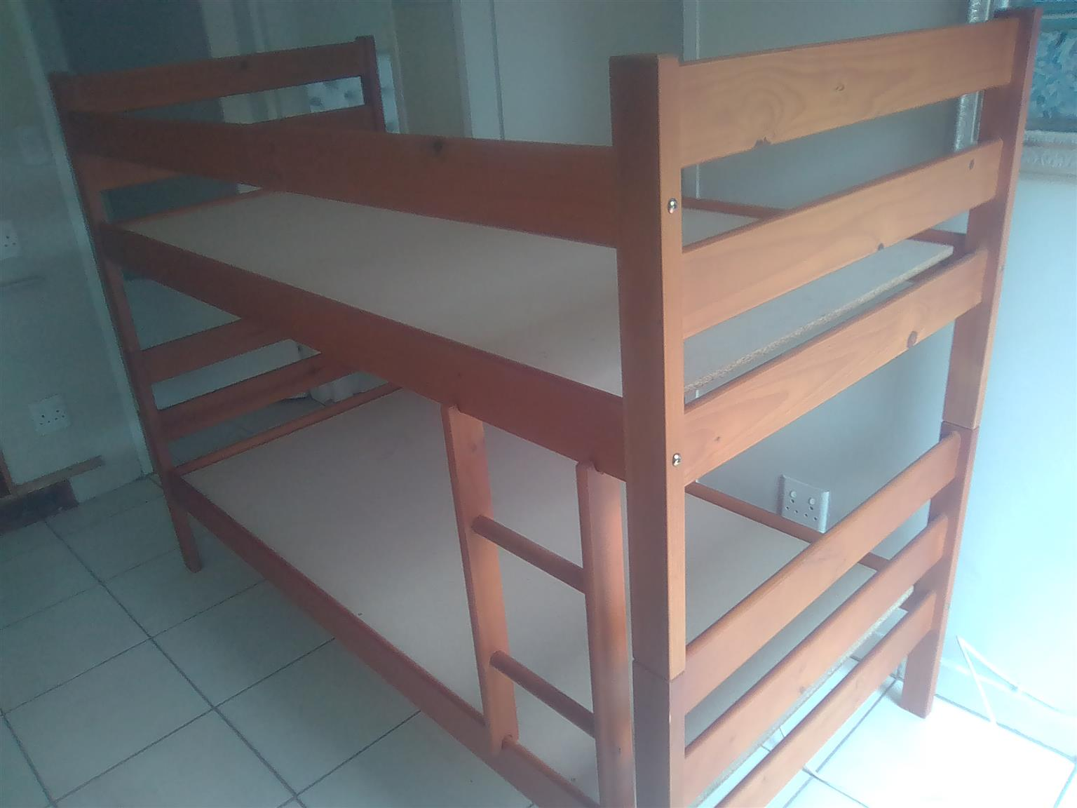 Solid wood bunker bed frame