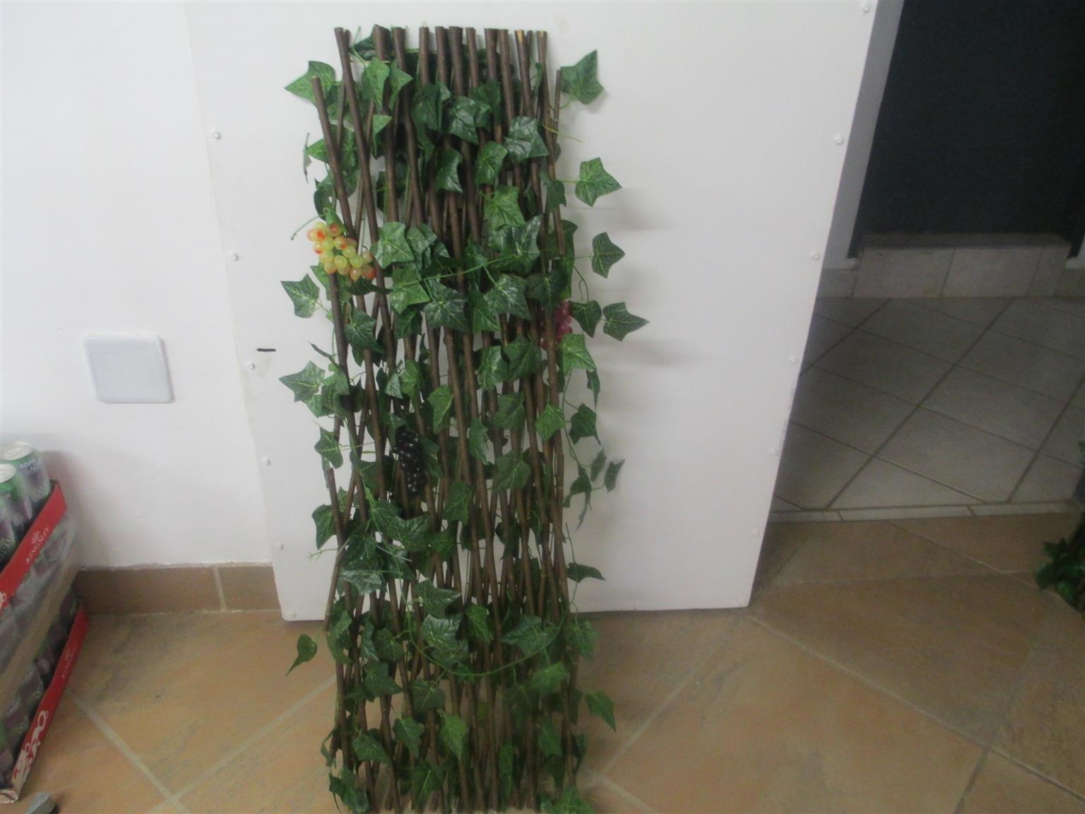 divider,green artificial