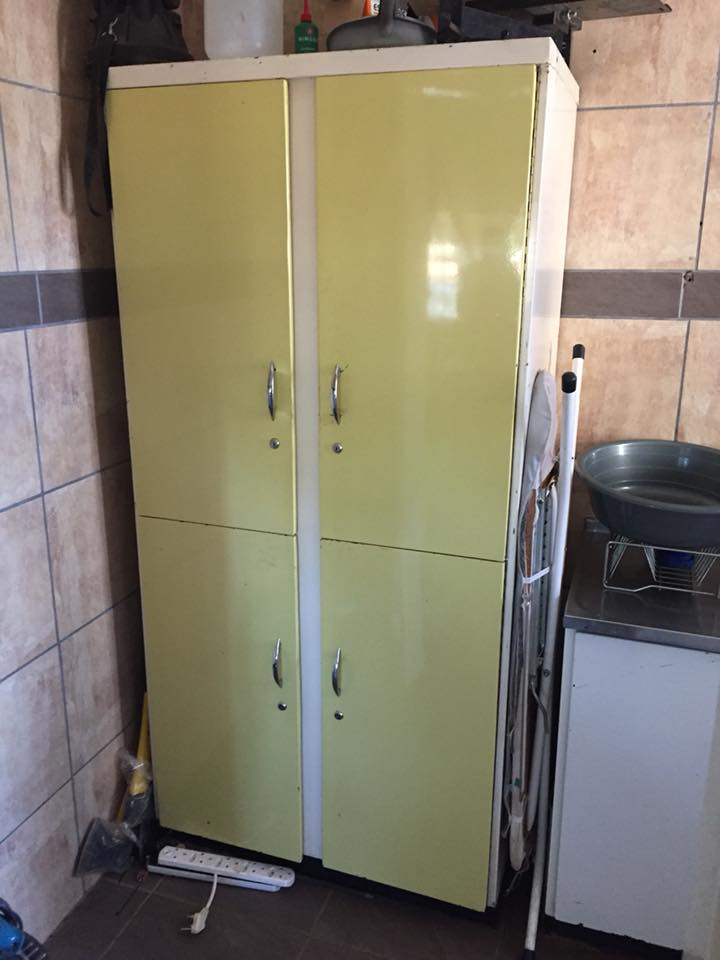 Yellow and white 4 door kitchen cupboard