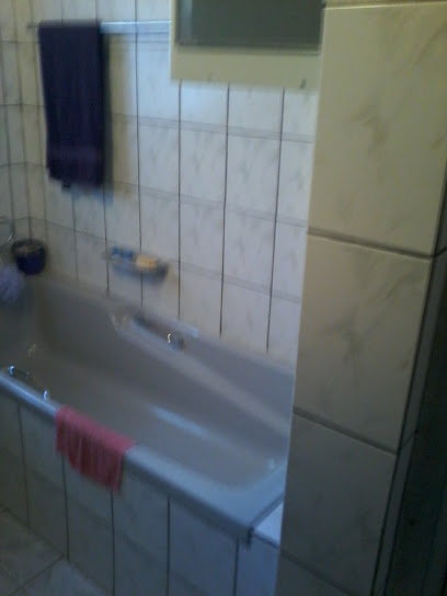 Leeupoort Dubbelverdieping, 4 slpk huis te koop vir R750 000 naby Koedoeskop Limpopo