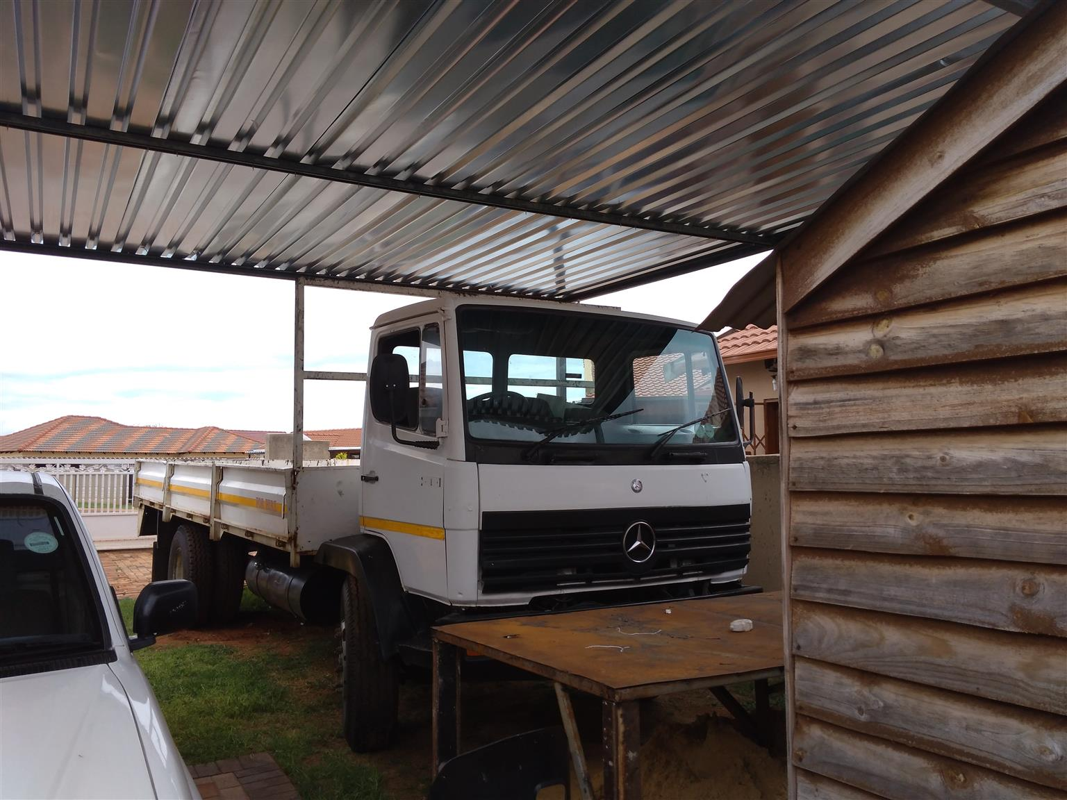 Mercedes Benz 8ton for sale or to swop