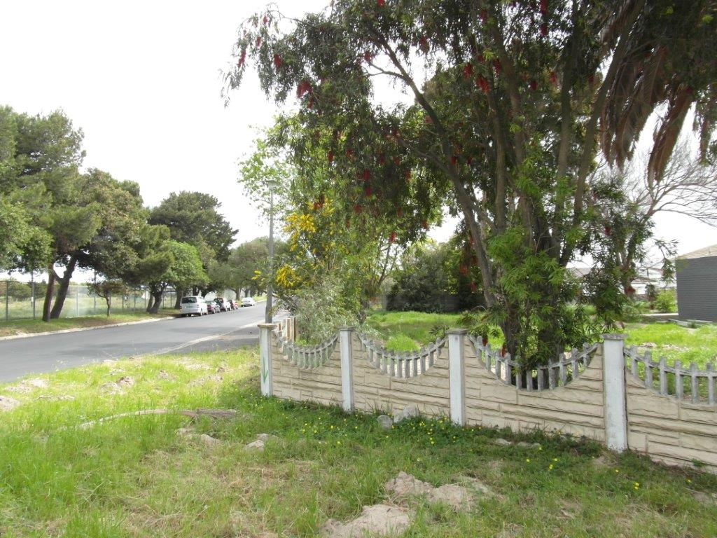 PAROW-NORTH Vacant Plot 663SQ with views over Parow Golf Course