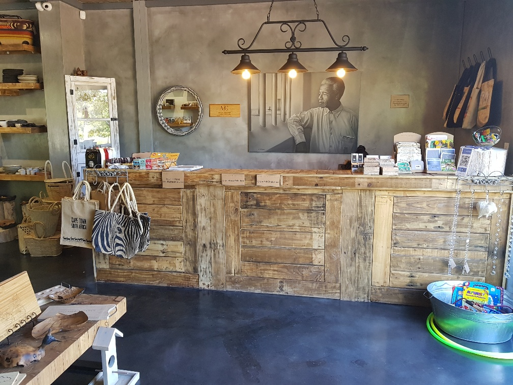 Exclusive and Exciting Handmade Pallet Furniture