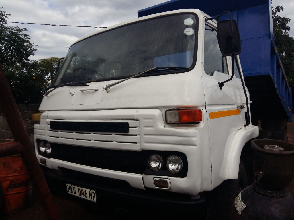 Toyota toyota cube : Nissan 6 cube tipper   Junk Mail
