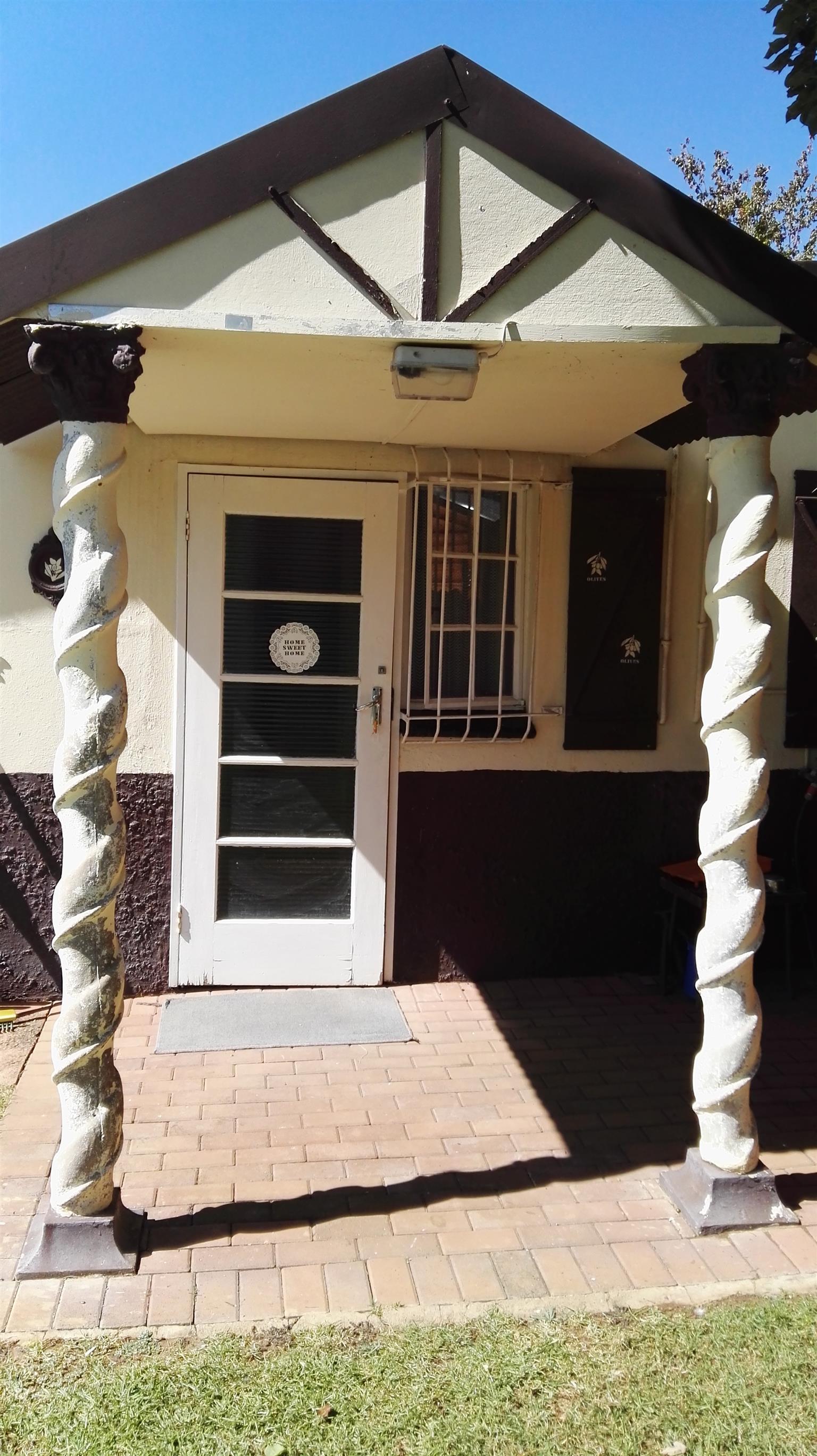 1 bedroom garden flat to rent in Parktown Estate