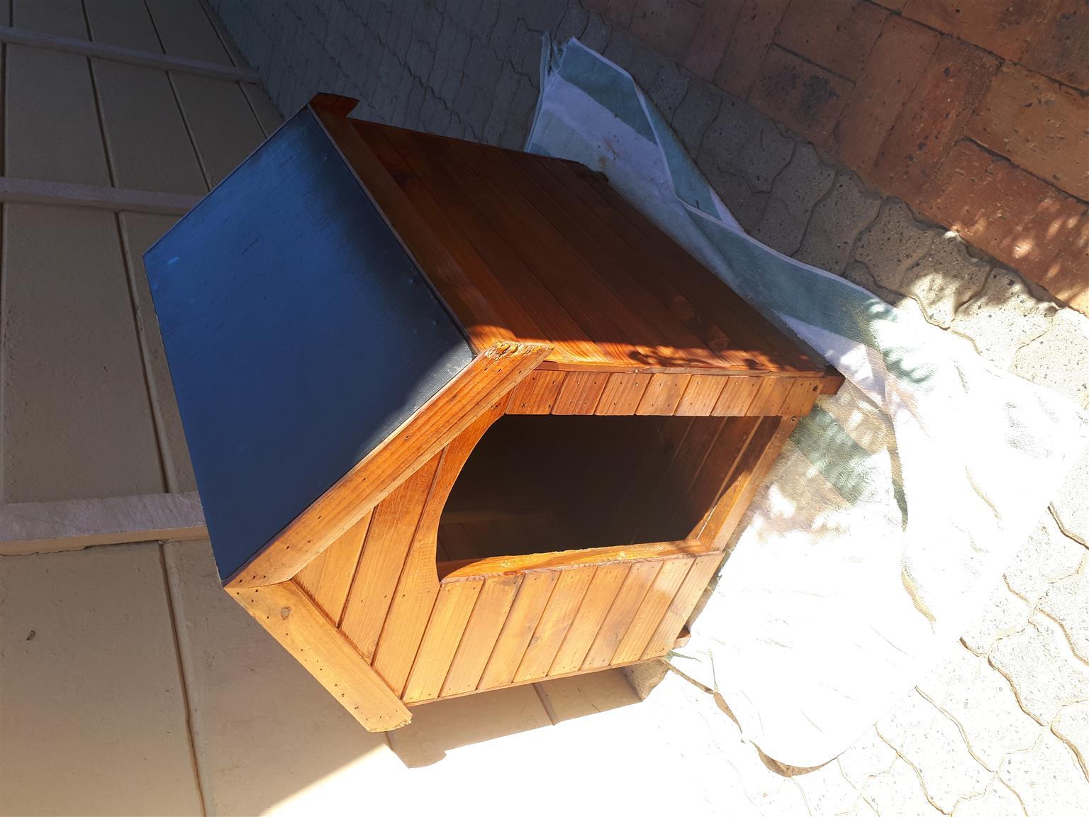 Dog Kennel, Dog Travel Crate & Wine Barrel