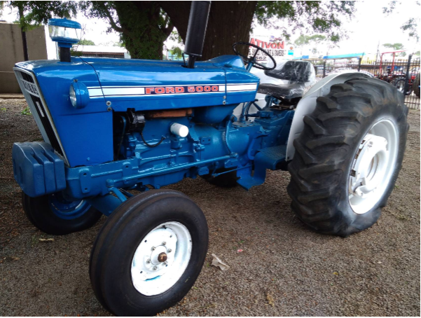 S2715 Blue Ford 5000 Pre-Owned Tractor
