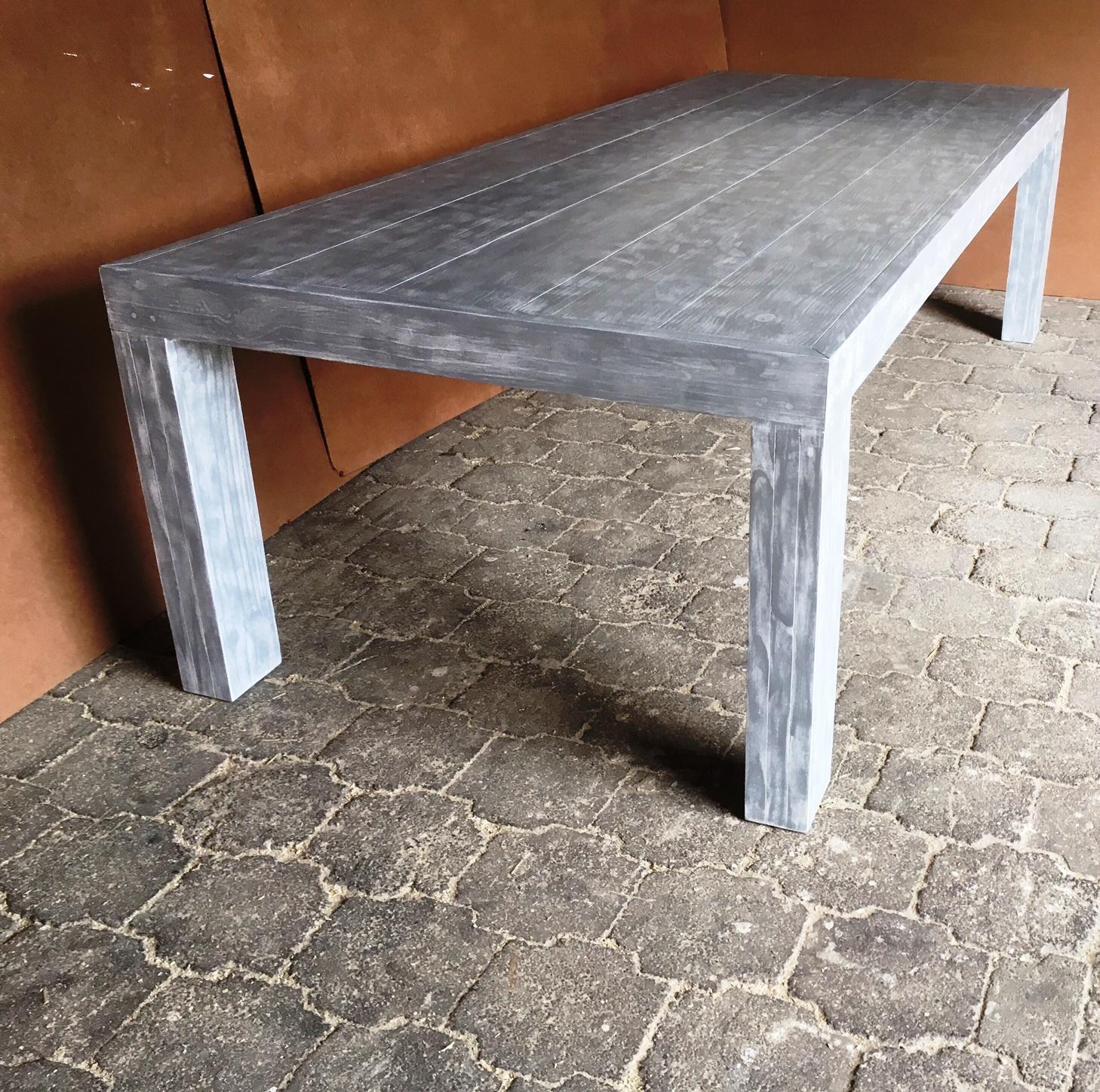 Patio table Chunky Farmhouse series 2750 with pillar legs Glazed