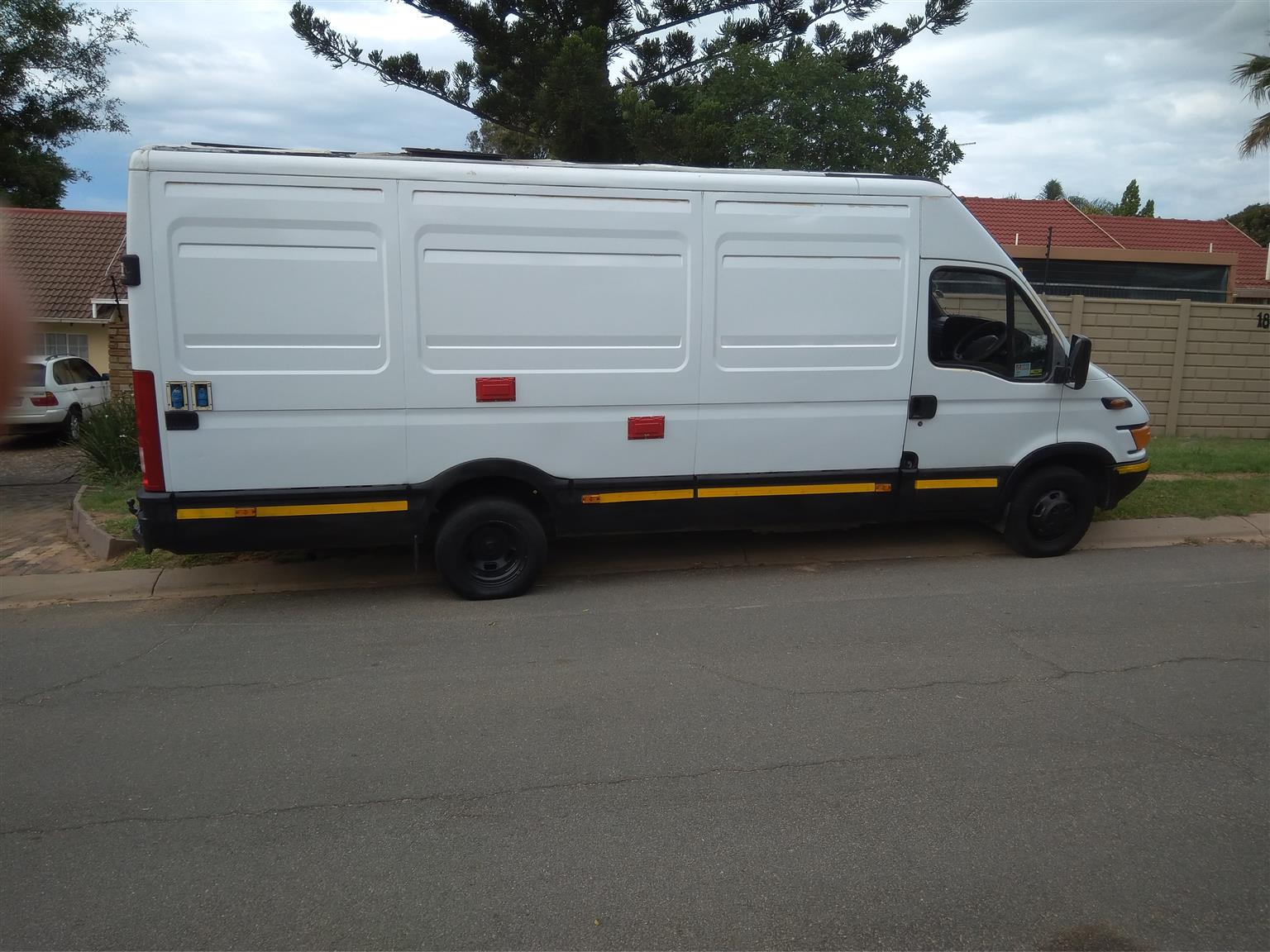 IVECO DAILY 28D FOR CAMPER CONVERSION 2005