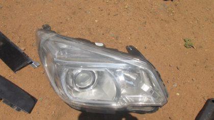 2014 Chevrolet Trailblazer Right Headlight For Sale