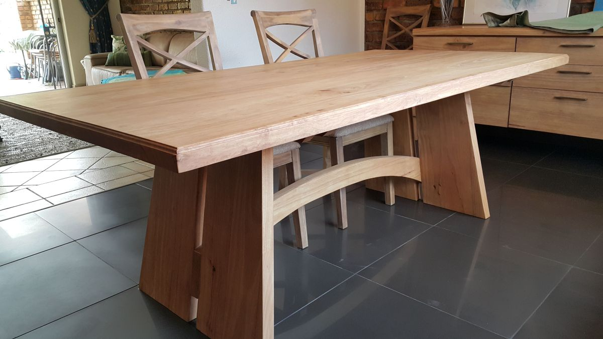 Solid Rubberwood Dining table