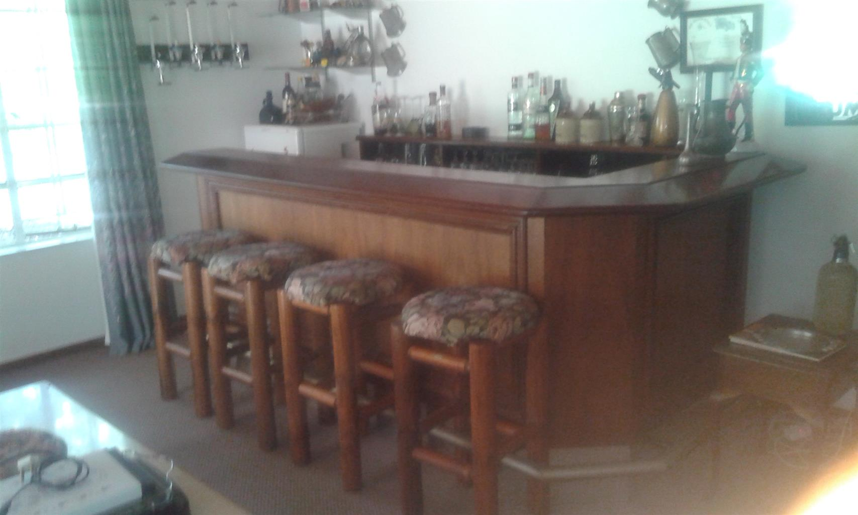 Solid wood bar c/w four bar stools