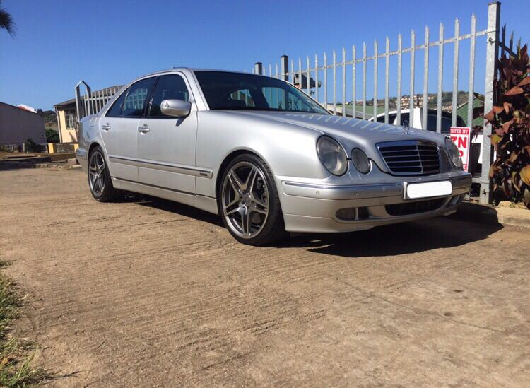 E430 Mercedes full house with AMG mags n tyres just completed full service b new set of tyre n shocks