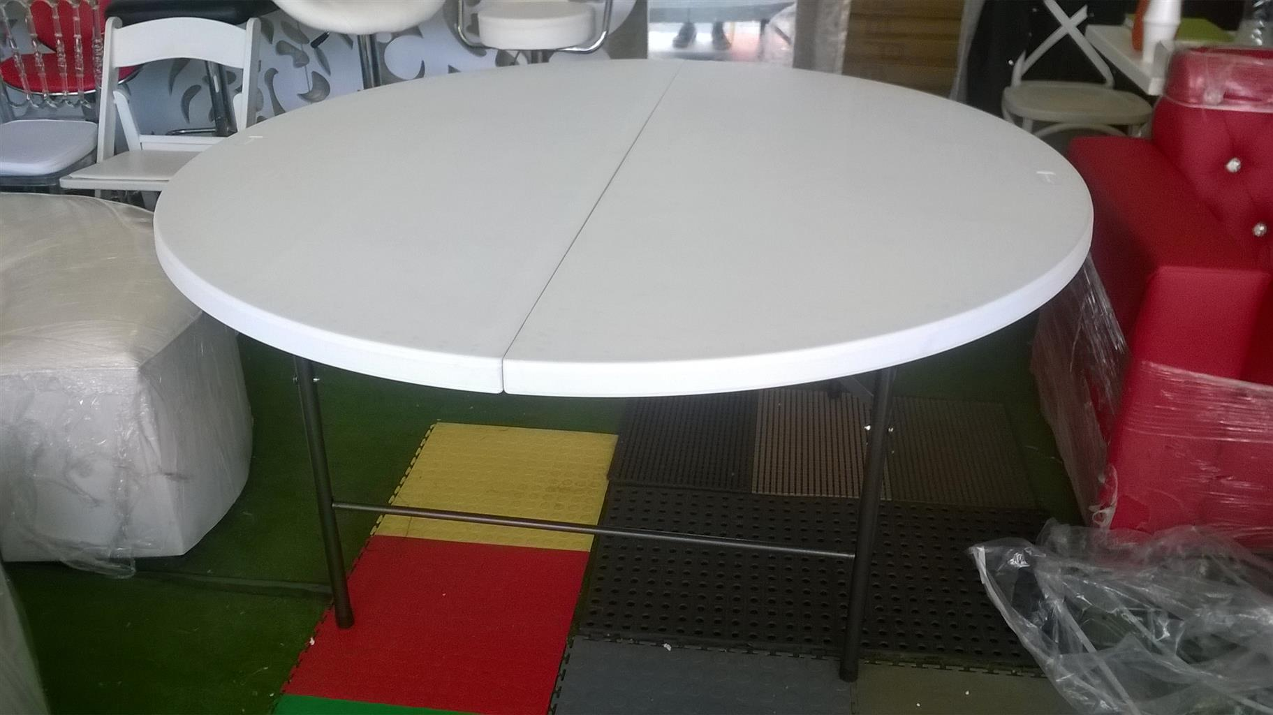 ROUND 10 SEATER PLASTIC FOLD UP TABLES AT BARGAIN PRICE