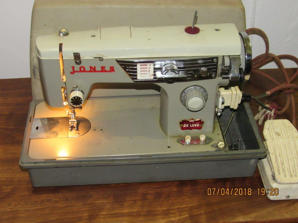 Jones Zig Zag Delux Sewing Machine