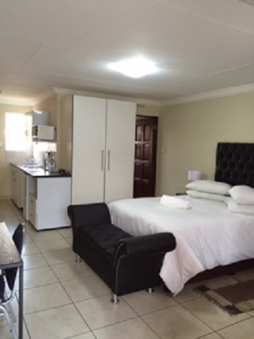 Furnished Serviced Units to rent on monthly basis near Jet Park Boksburg