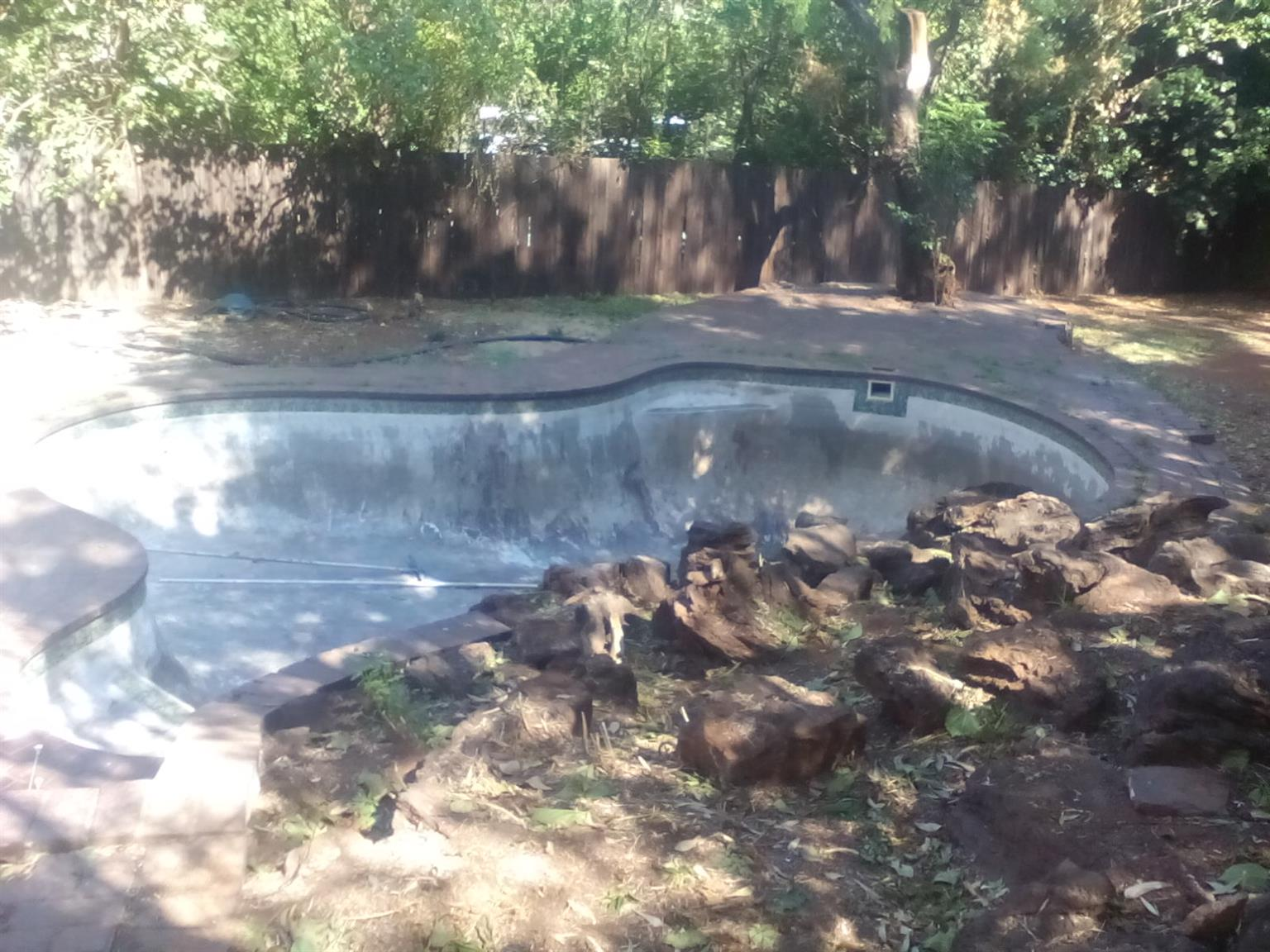 SITE CLEARING AND DEMOLISHING. DOMESTIC, COMMERCIAL AND INDUSTRIAL...