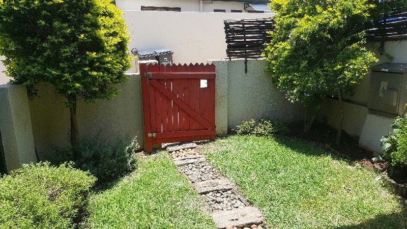 Townhouse to share Weltevreden Park