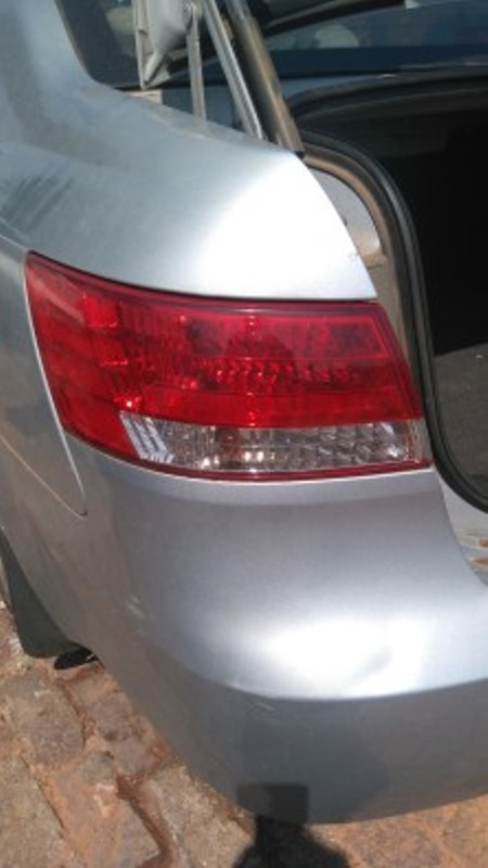 Hyundai Sonata 2.4 automatic 2005 for stripping.