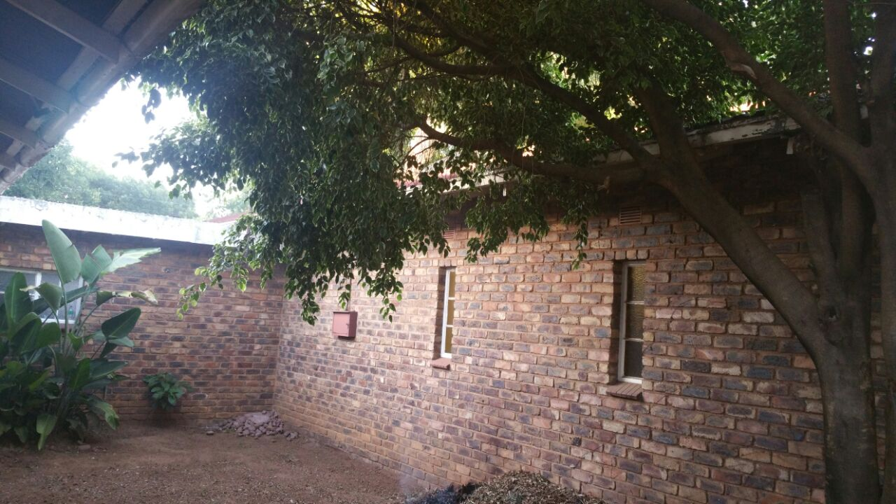 COLBYN/HATFIELD: HOUSE TO SHARE