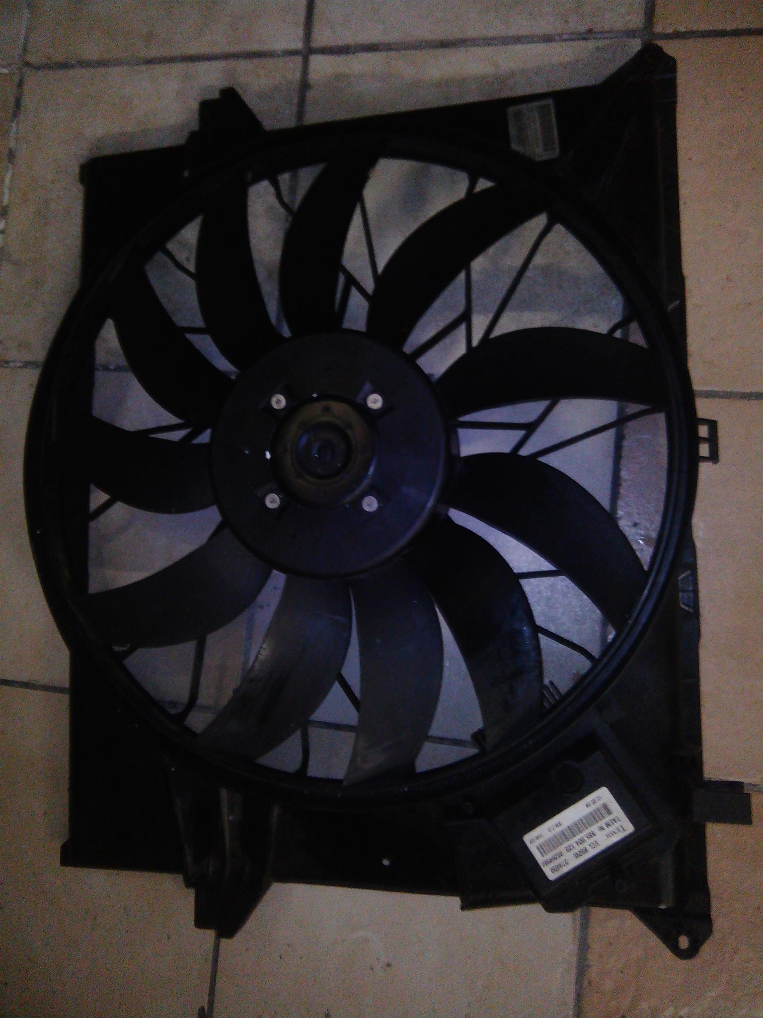 Mercedes Benz W164 radiator fan for sale