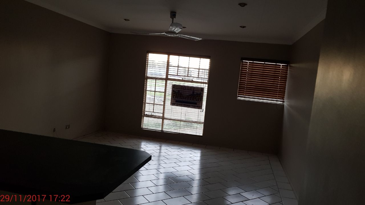 Townhouse, Spartacus, Boksburg West. R5500