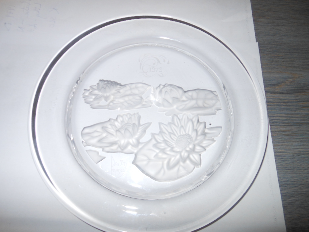 1979 DAUM CRYSTAL PLATE - Nymphea Water Lily - Art Nouveau Design