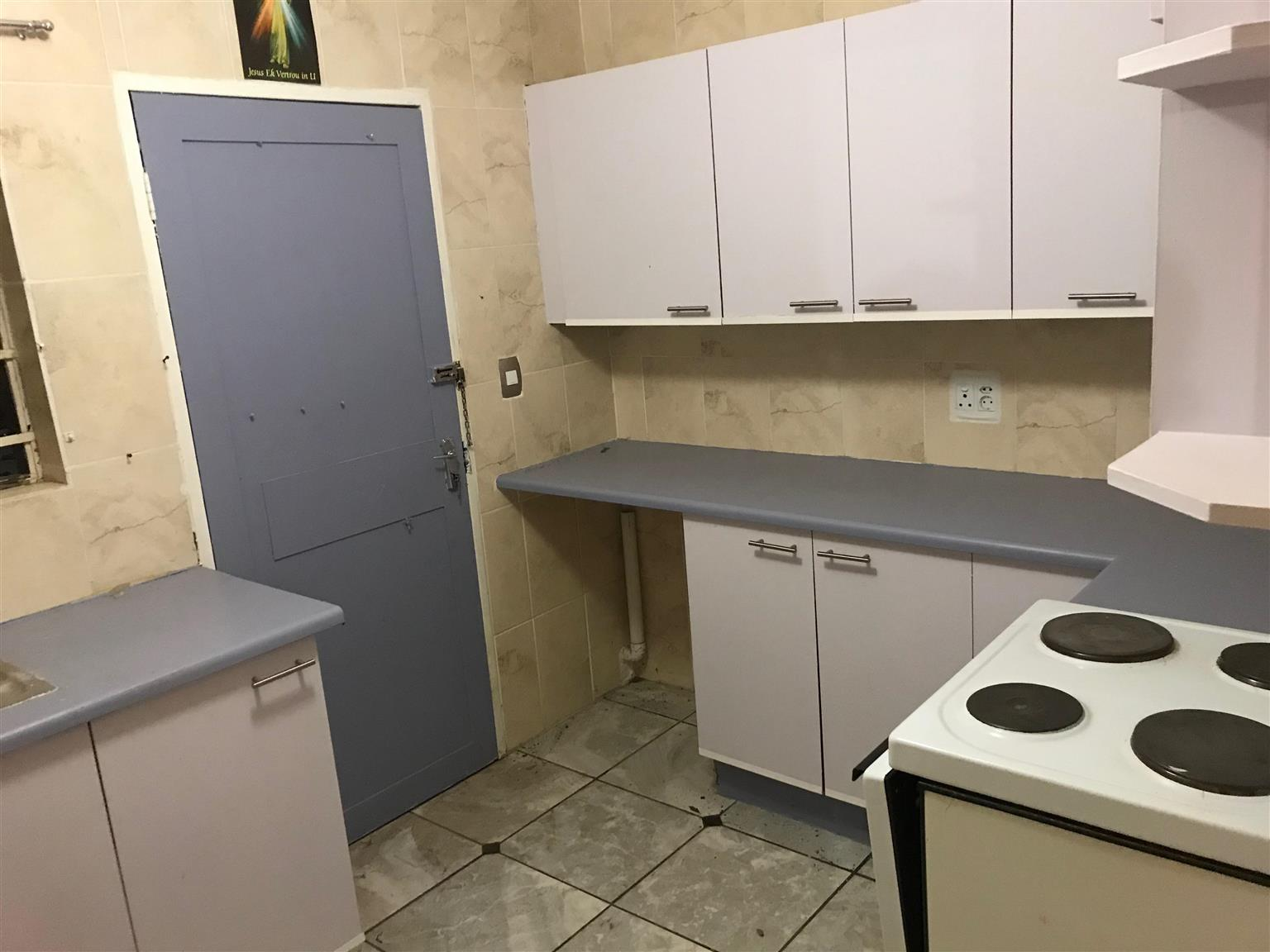 A room to rent for R2950, will be available 1st Jan 2018, 5 min drive to four-ways and 4 min drive to North-gate