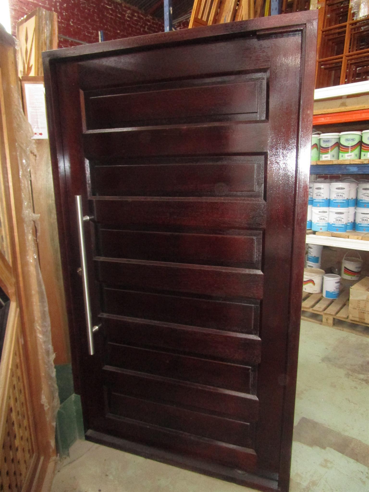 Pivat Door
