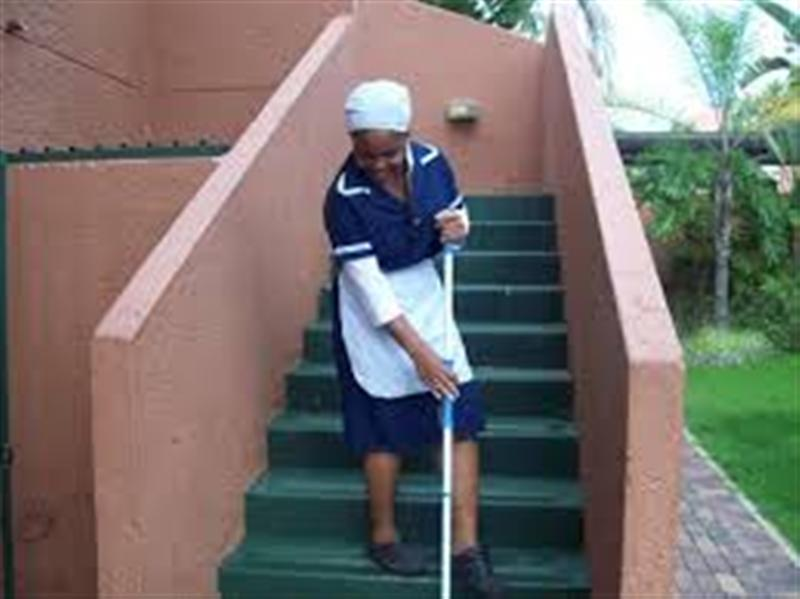 I'M A SOUTH AFRICAN HOUSEKEEPER/BABYSITTER. I'M LOOKING FOR A JOB. STAY OUT/PART TIME