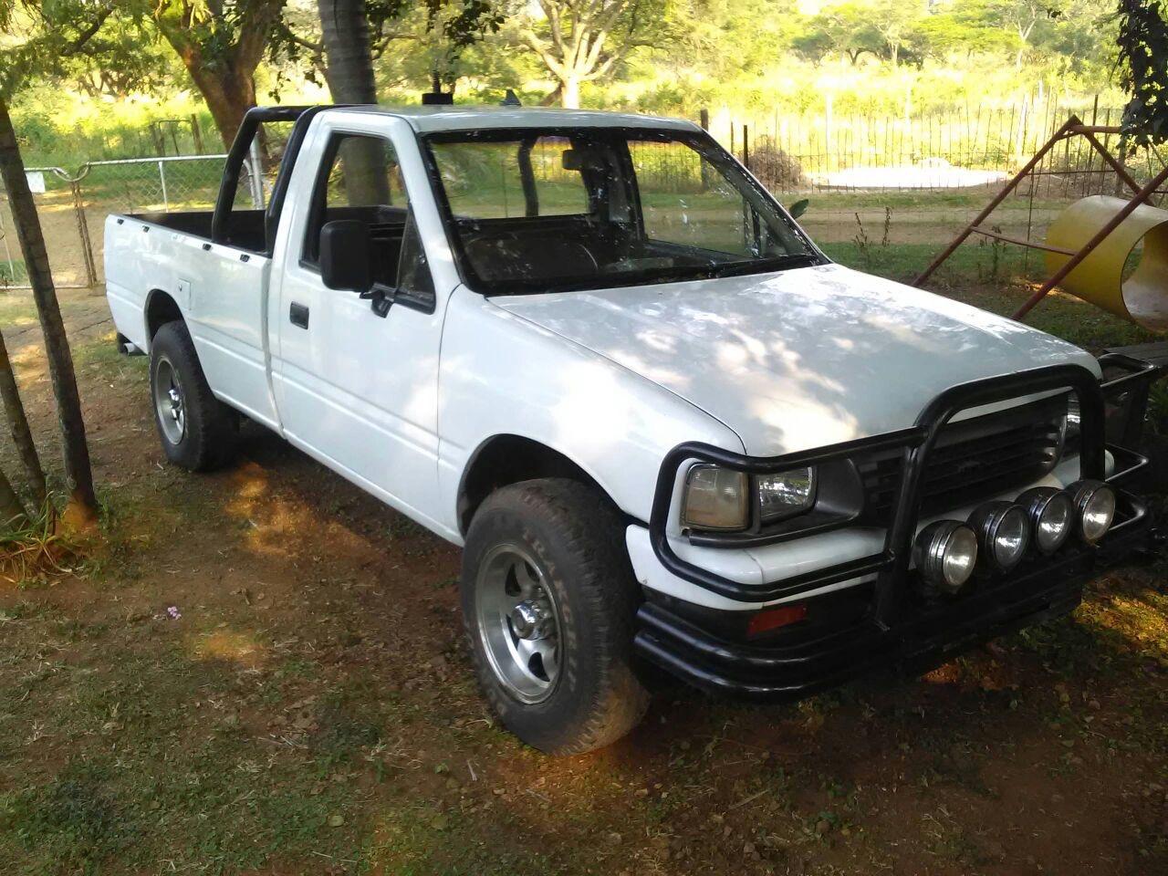 1990 Isuzu KB 250