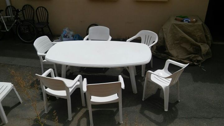 6 seater outside patio table with 6 chairs - including 2 x small side tables to be used for drinks