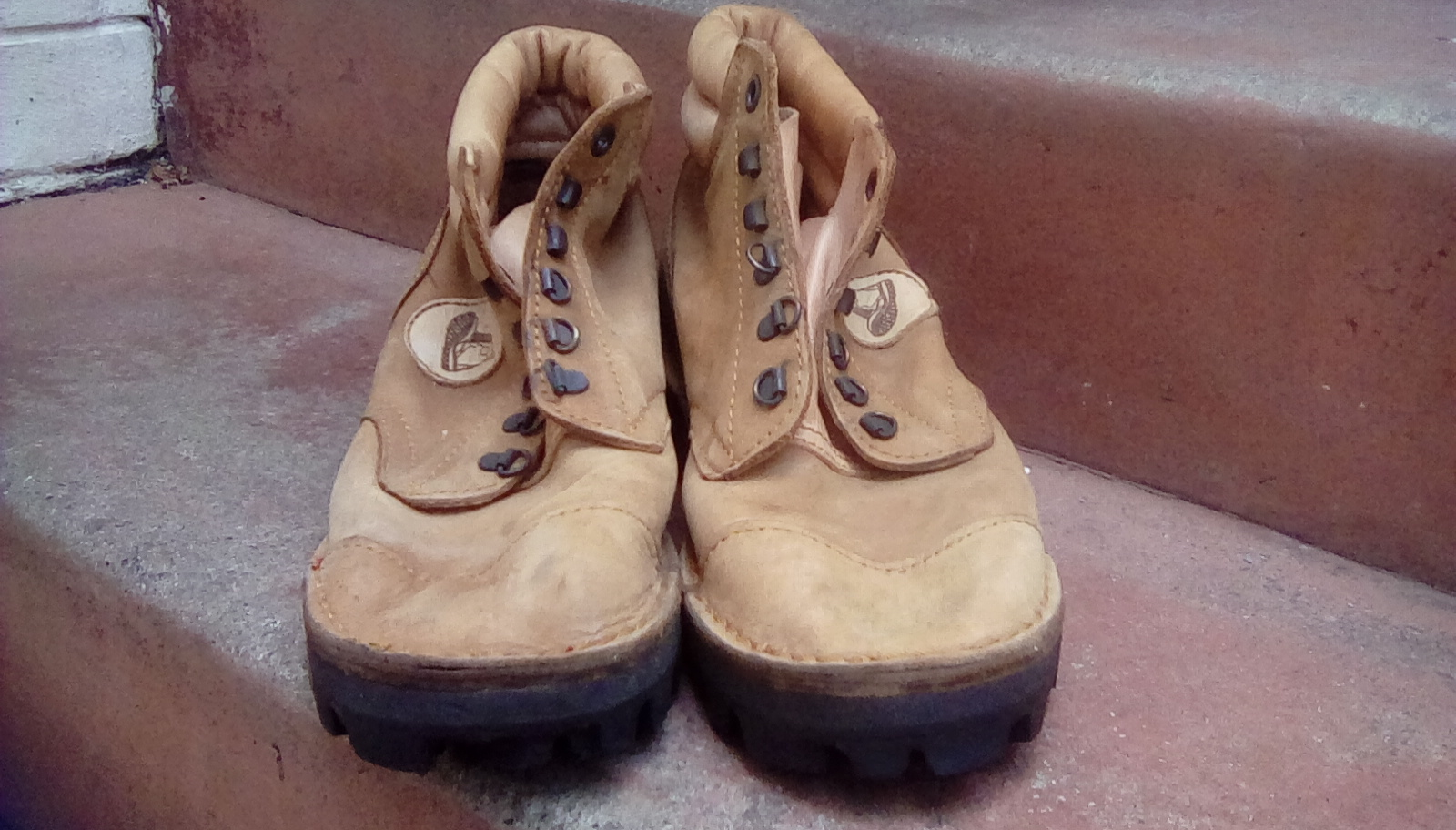 Mountain Man Shoes for Sale ! Strong leather Very good Condition !