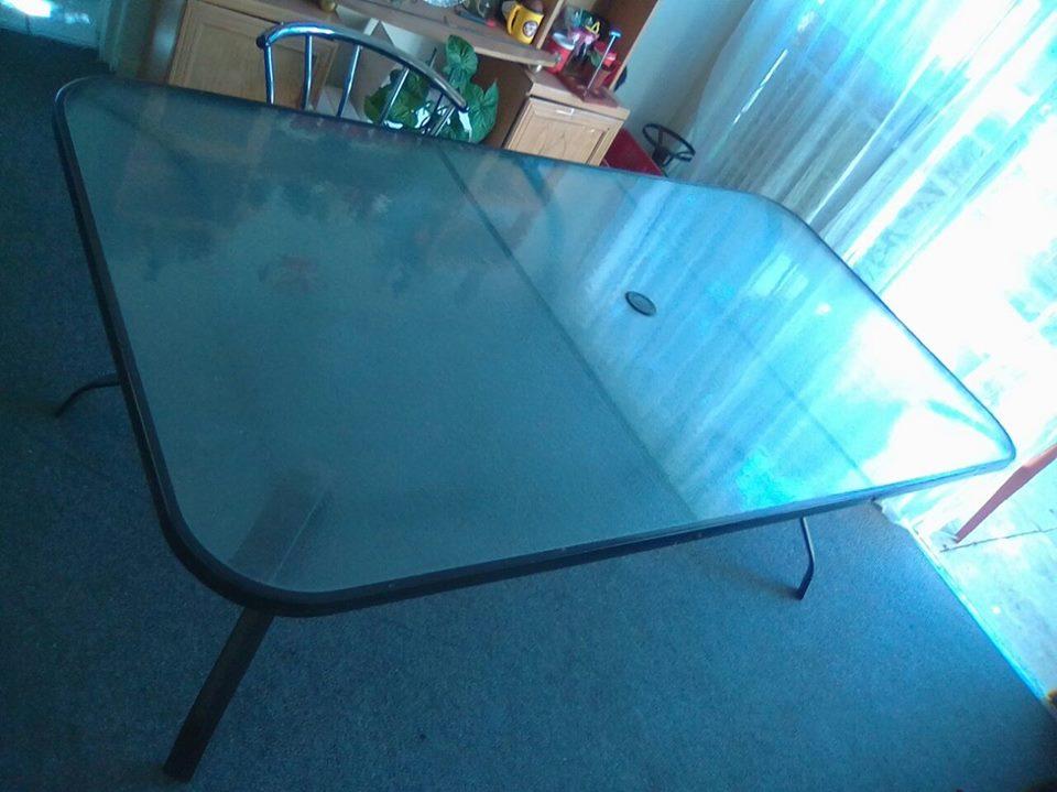 Groot glas tafel