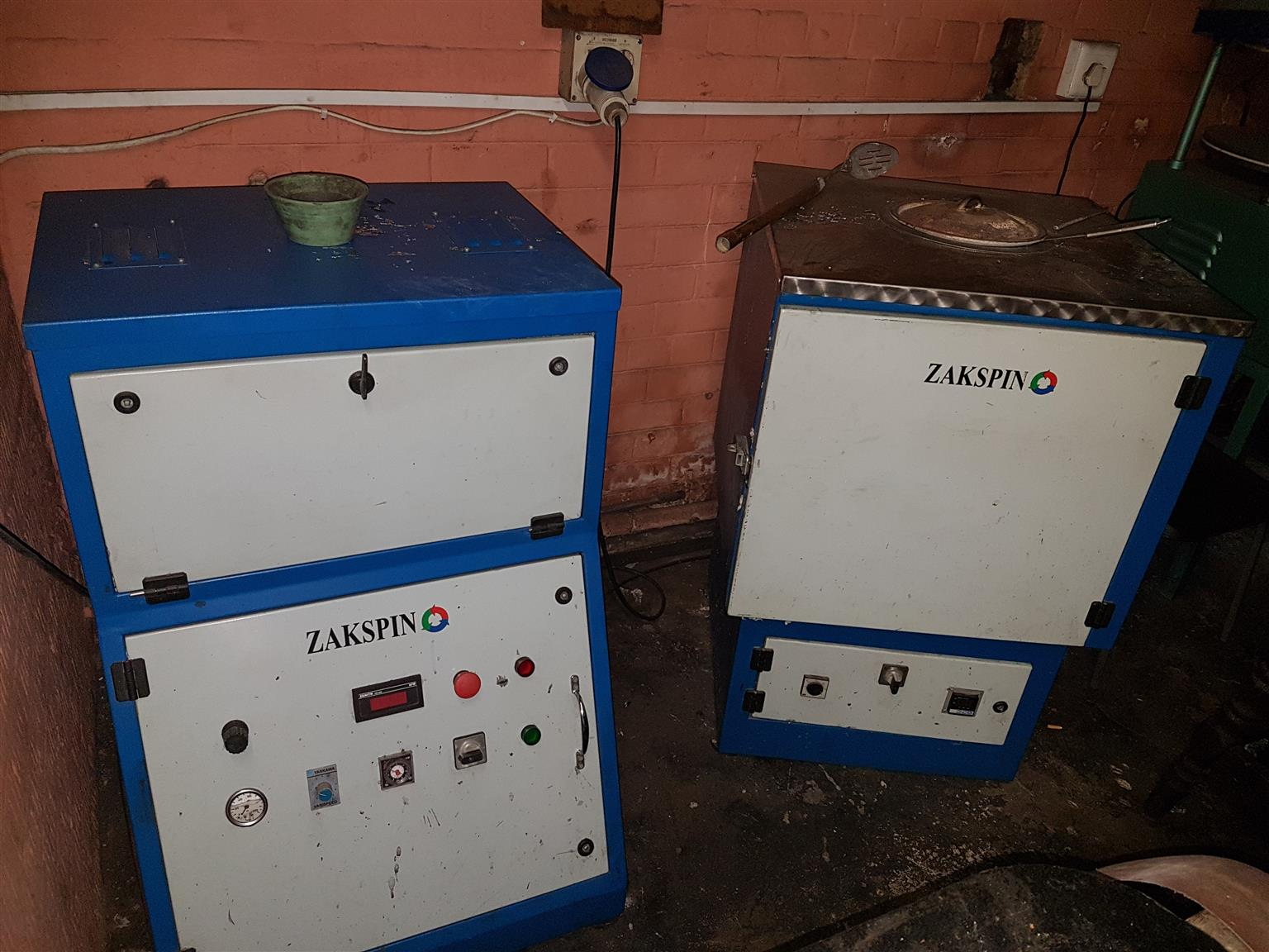 spin casting machines