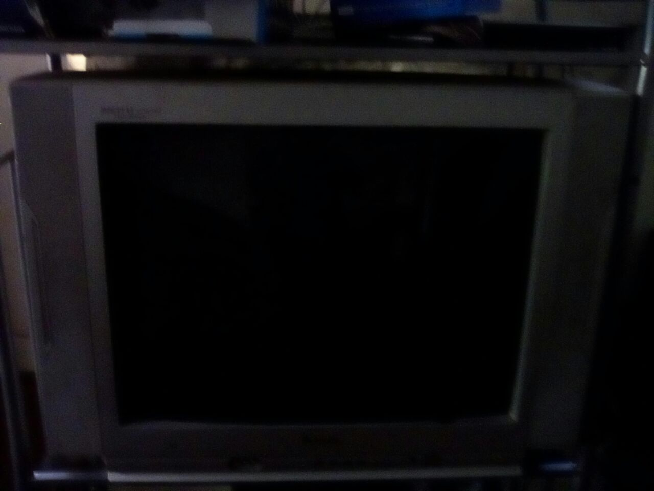 sanui tv 37cm and 54 cm