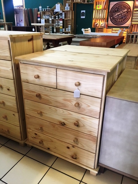 6 Drawer Pine Chest of Drawers