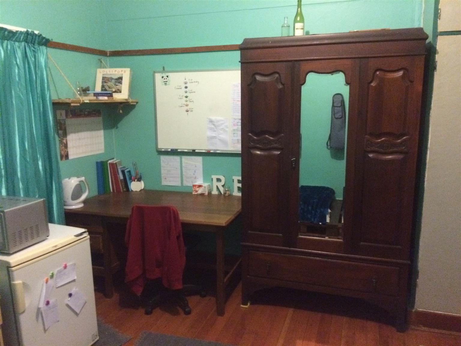 Kamer in Brooklyn700 meter van tuks te verhuur aan student R3500 per maand