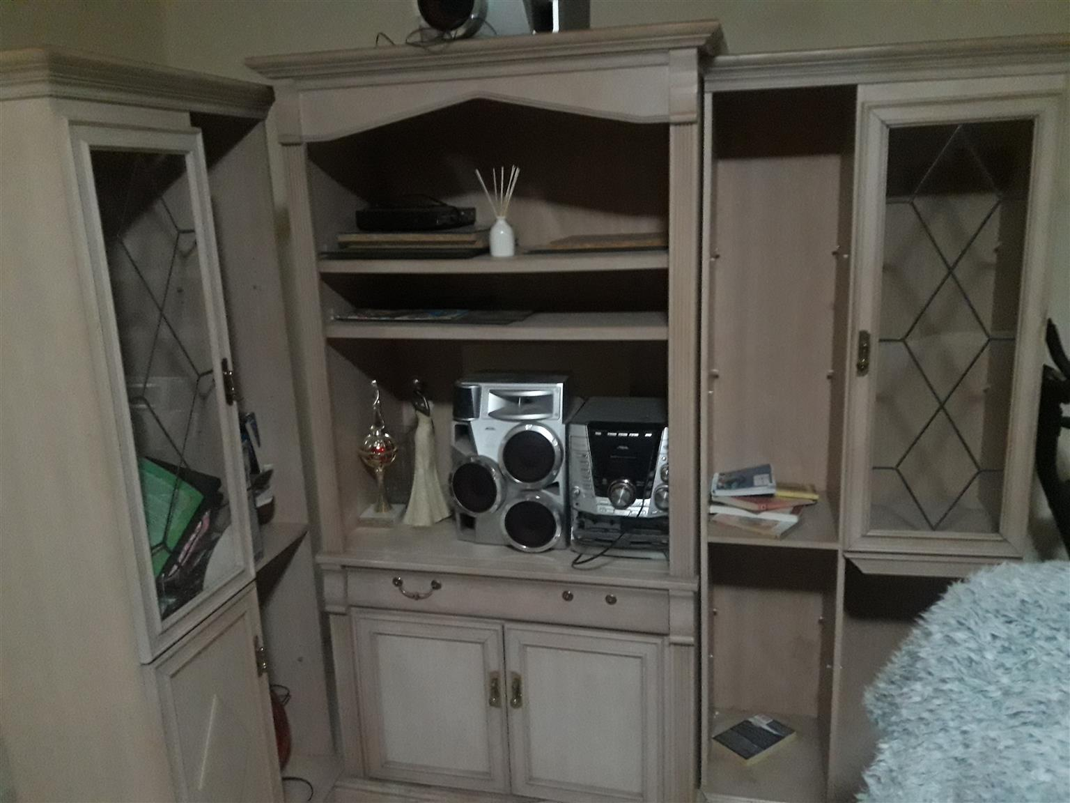 Classy Wall Unit For sale | Junk Mail