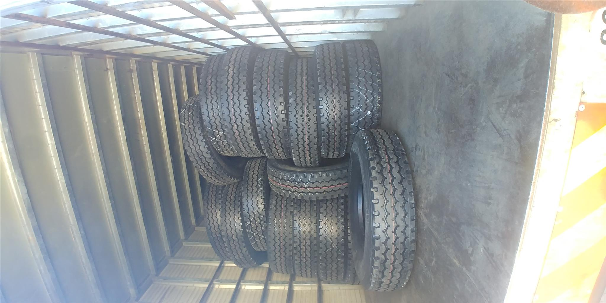315/80R22.5 Stock Retread Truck Tyres M38/BZY