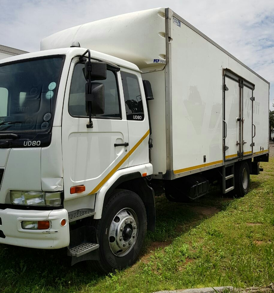 2012 Nissan UD80 with volume bin and tail lift