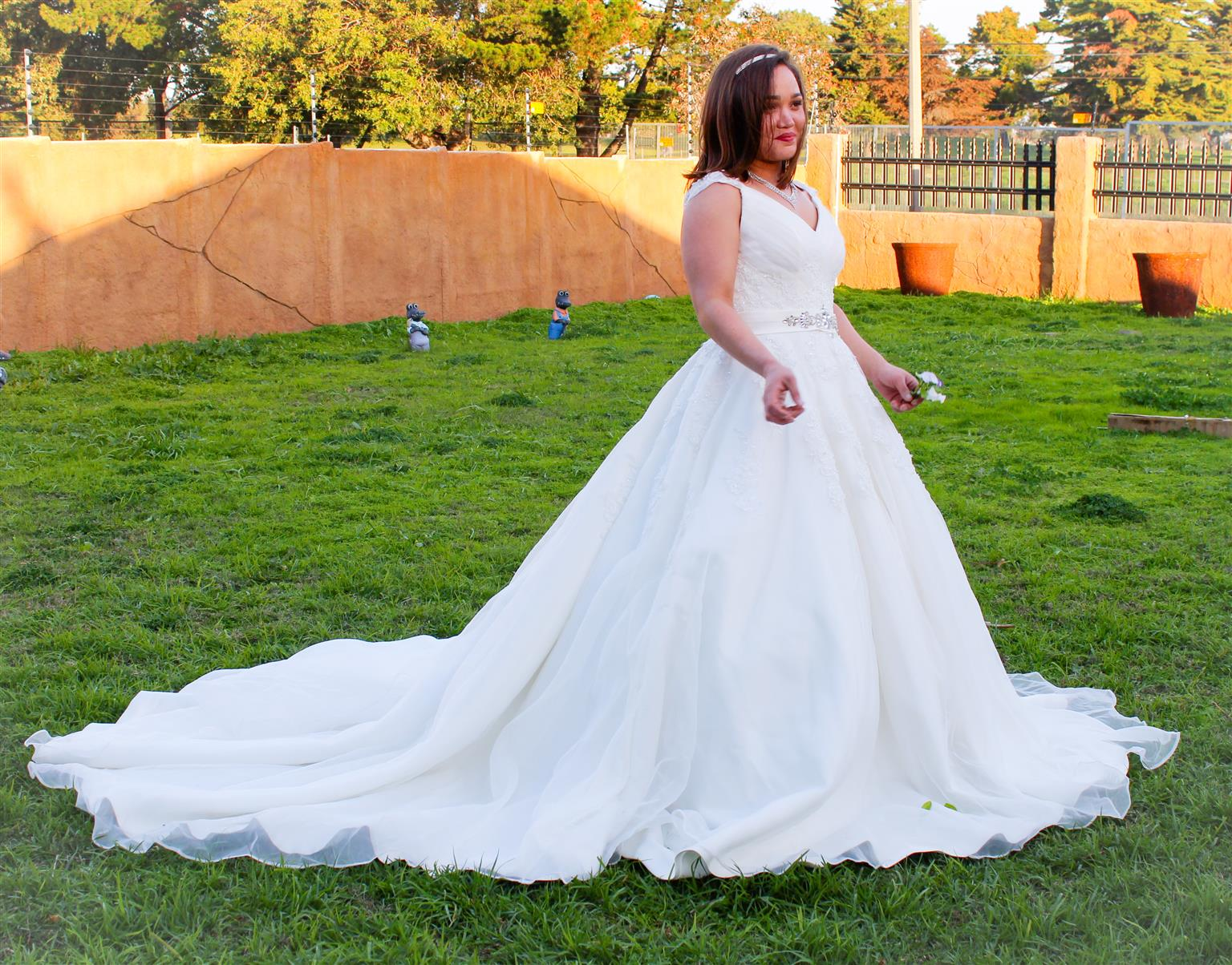 AFFORDABLE WEDDING DRESSES FOR HIRE | Junk Mail