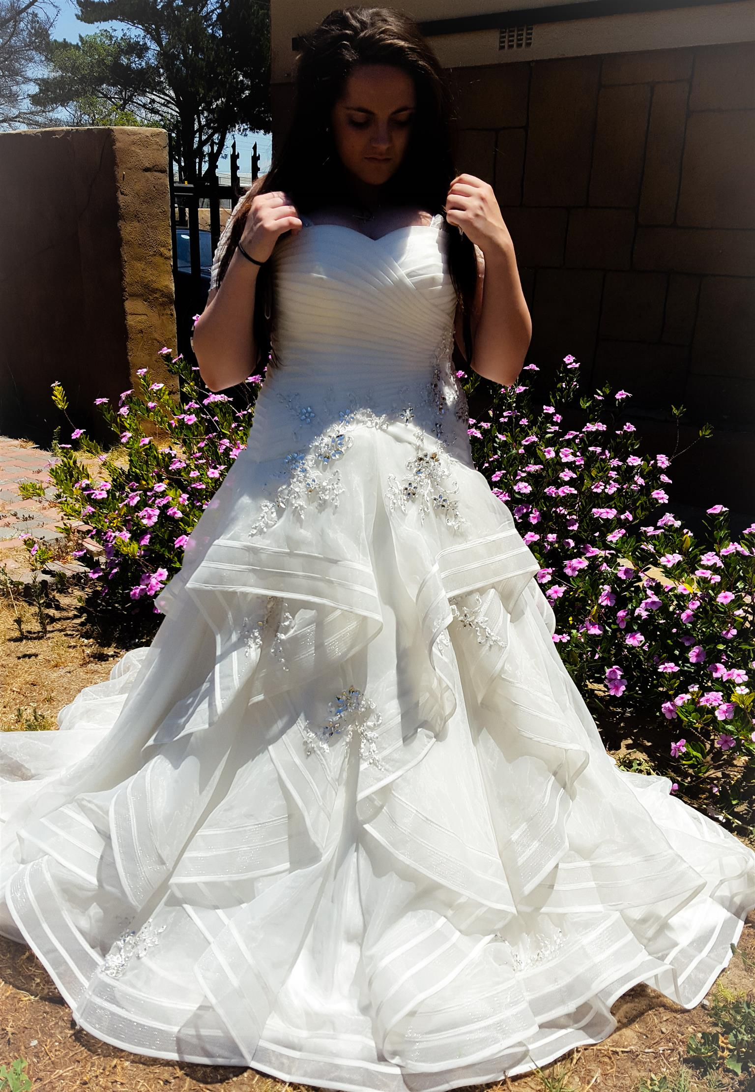 AFFORDABLE WEDDING DRESSES FOR HIRE   Junk Mail
