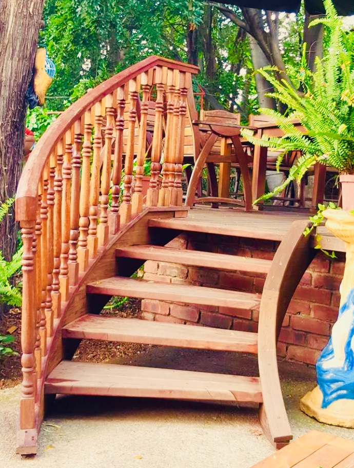 Landscape Stairs,  Hard Wood Stairs and Railings/Balustrades