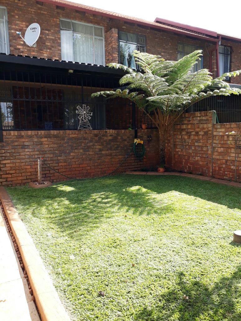 Lovely townhouse for sale in Dorandia, Pretoria North