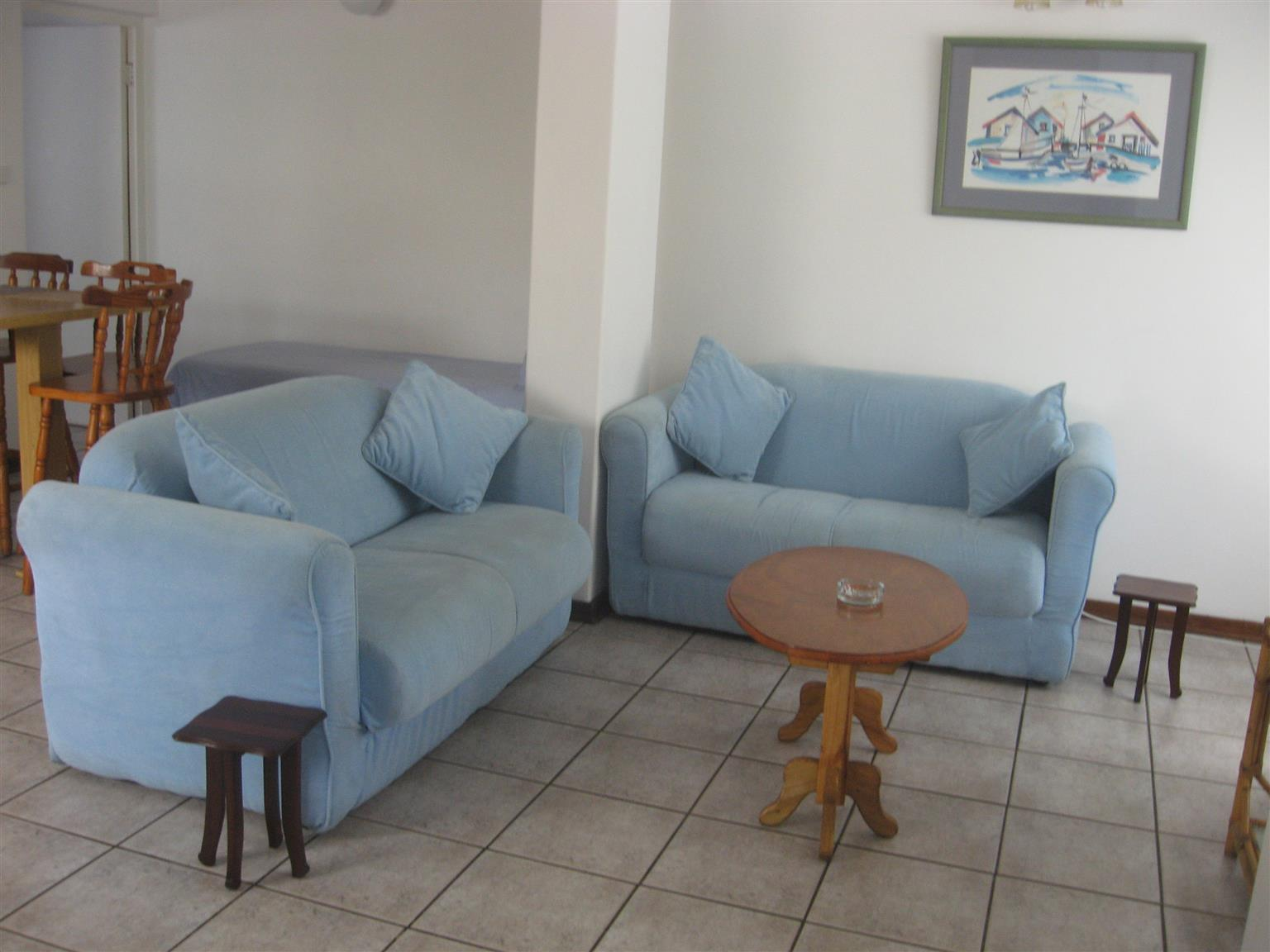 BLOCK OF 5 FLATS FOR SALE - INVESTMENT PROPERTY AN EXCELLENT RETURN ON INVESTMENT R2,550,000 UVONGO