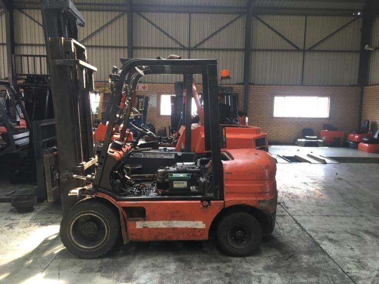 2.5 ton Hyundai FD25 diesel forklift