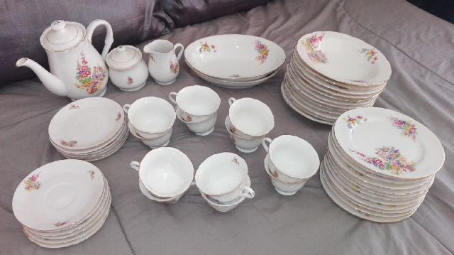 Ortai Crockery 65pc for sale urgent sale !!!!!