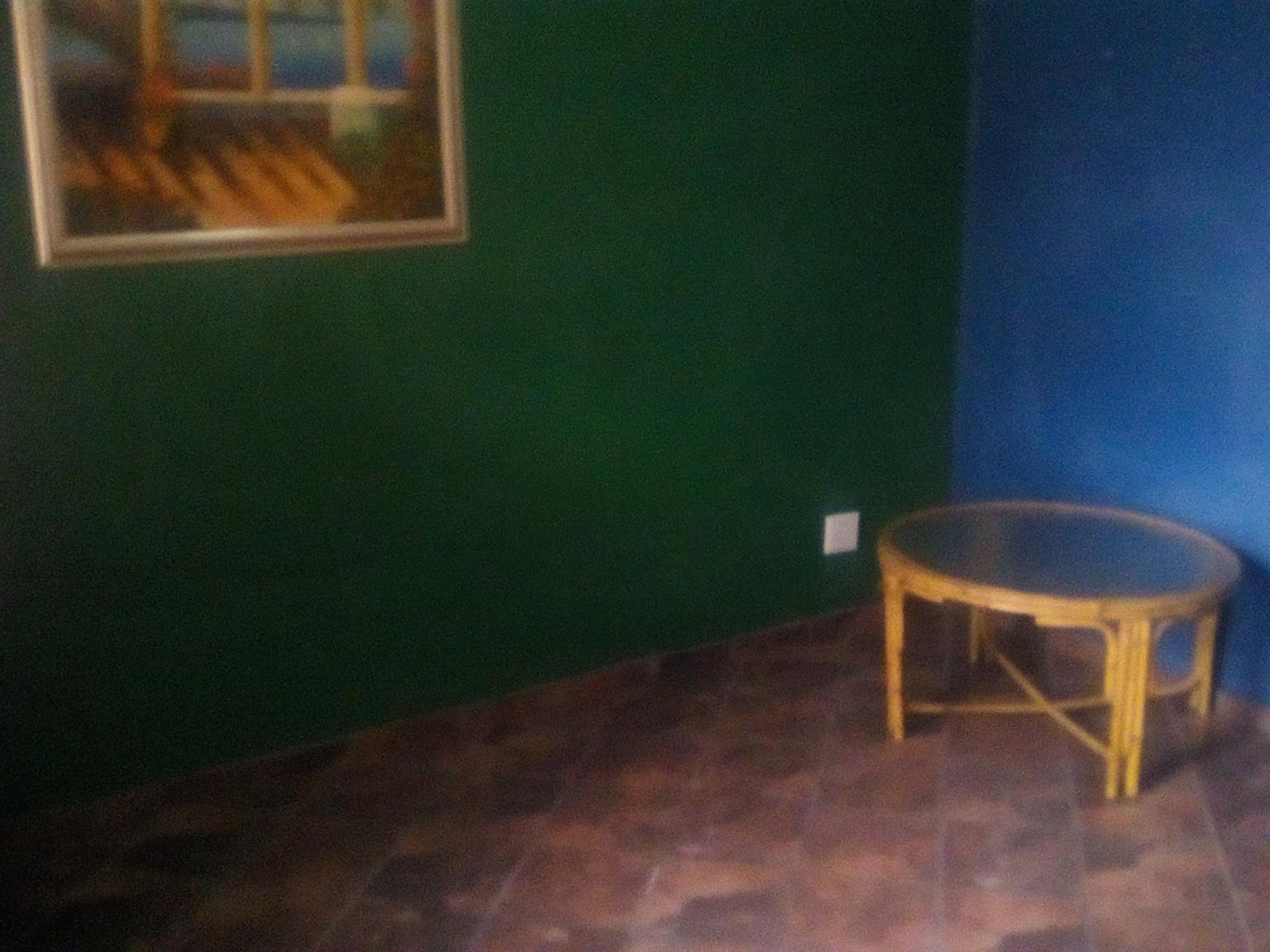 Mienkie - room available in house